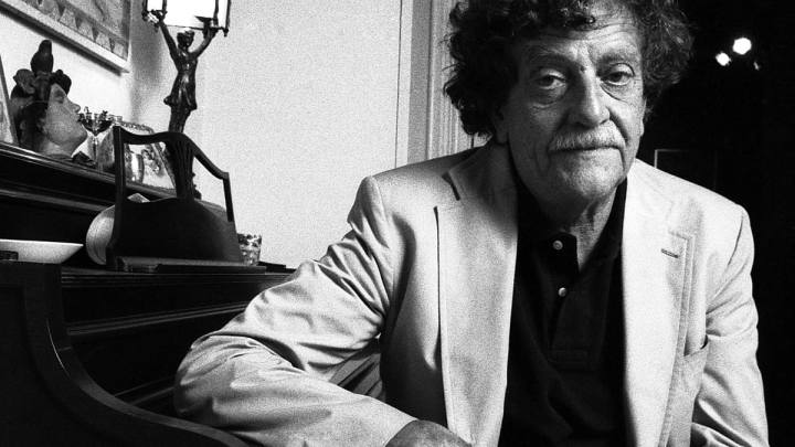 Critical Anonymity: Kurt Vonnegut's Bluebeard